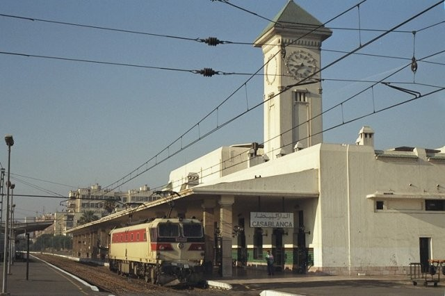 La E-1250 à la gare de Casa-Voyageurs :