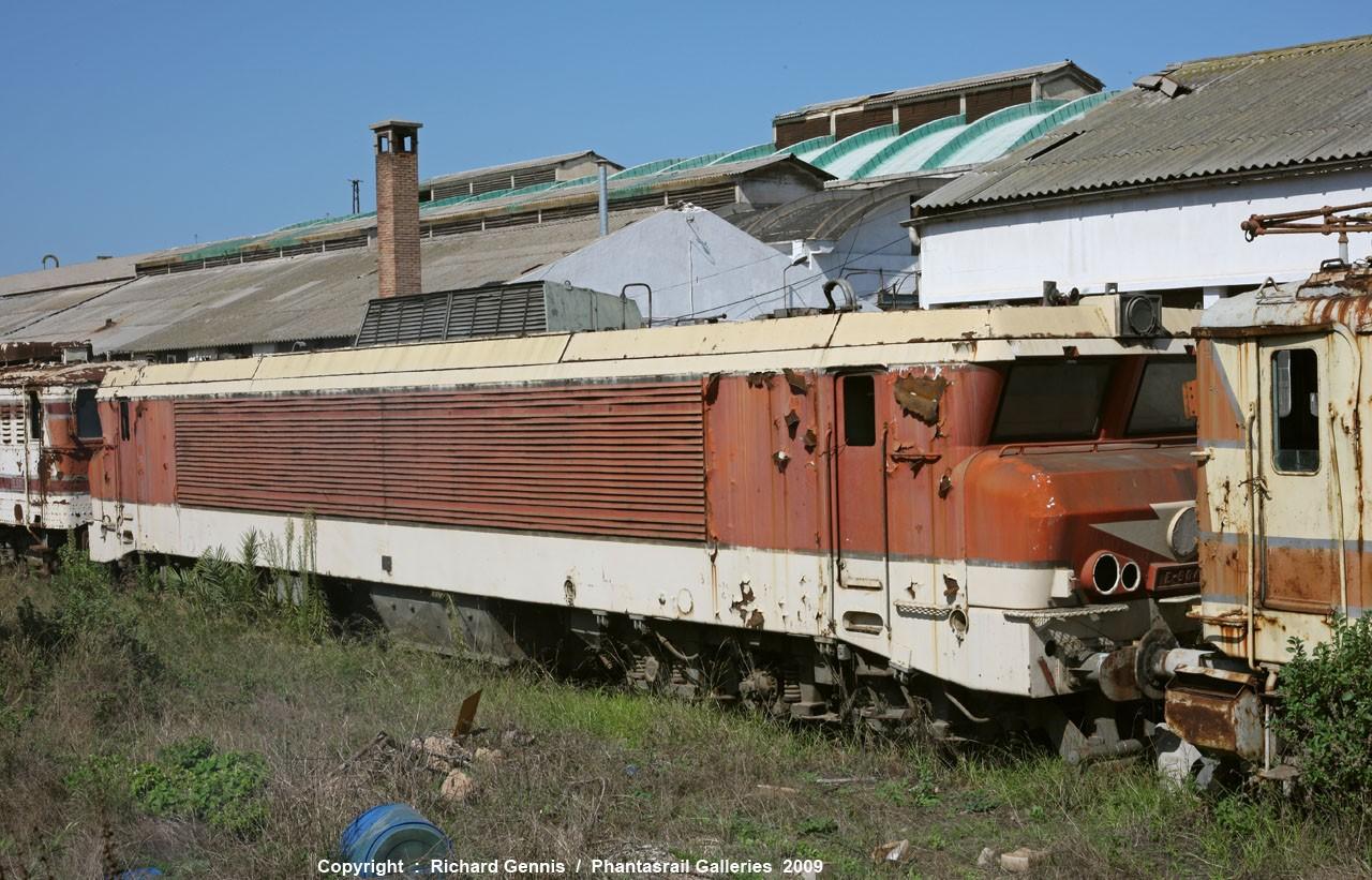 La E-900 au depot d'Oujda :