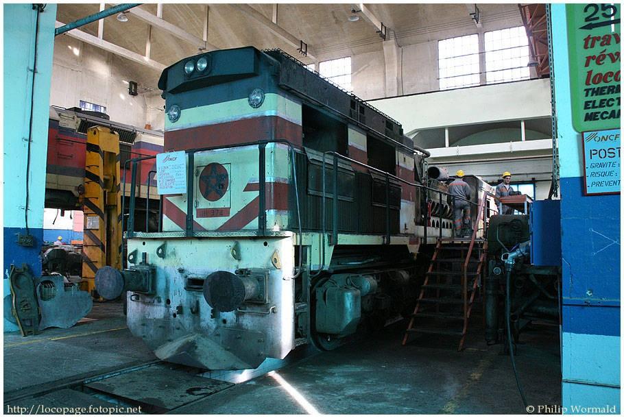La fiche technique dela locomotive diesel DH-350 (GT26C) :